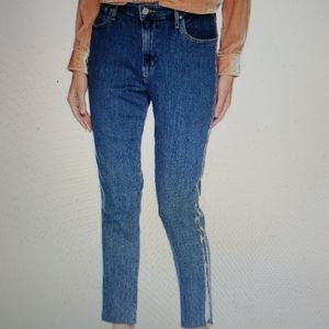 Levi's 721 High Rise Skinny Jeans. W24